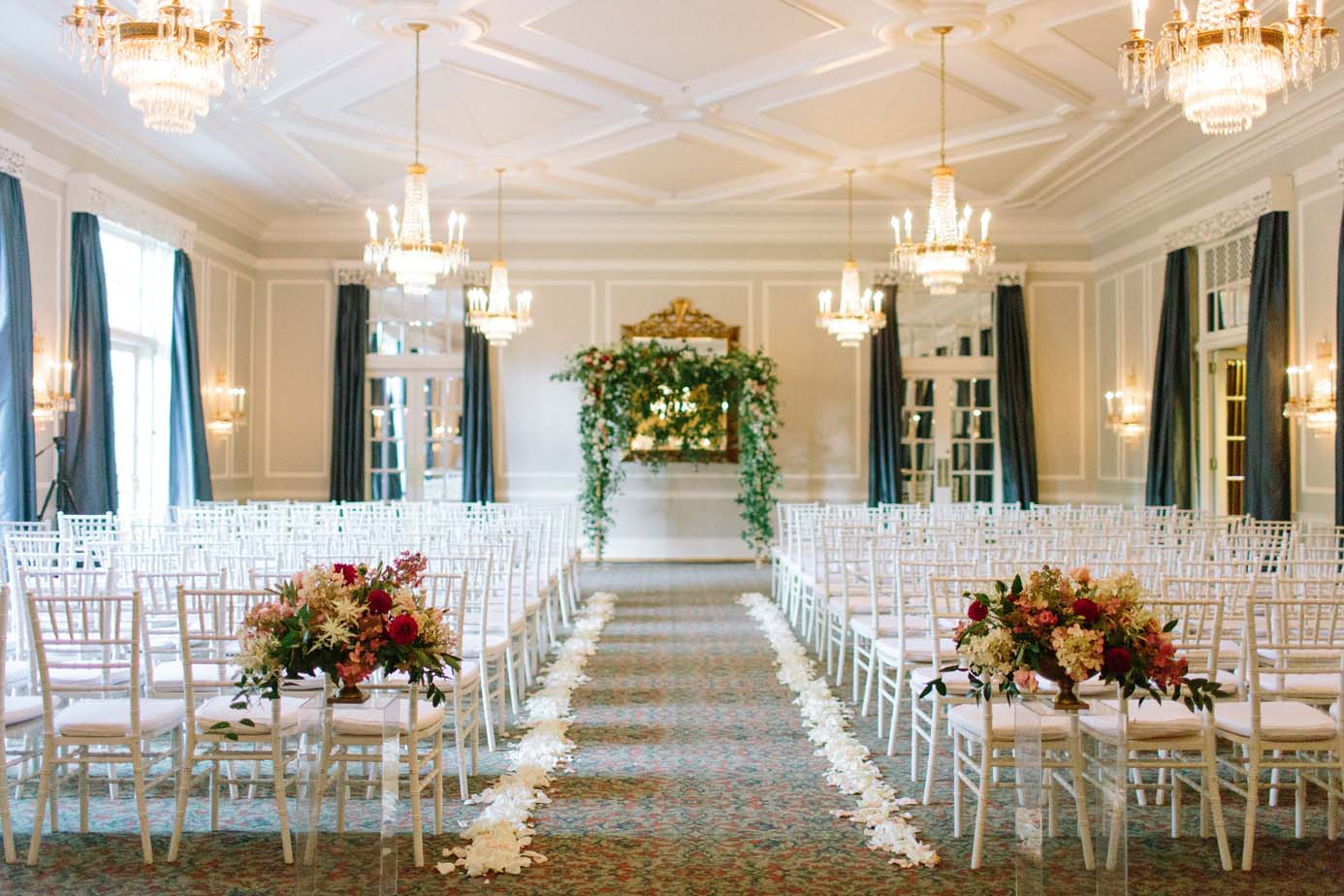 floral design at the Waverley Country Club wedding ceremony