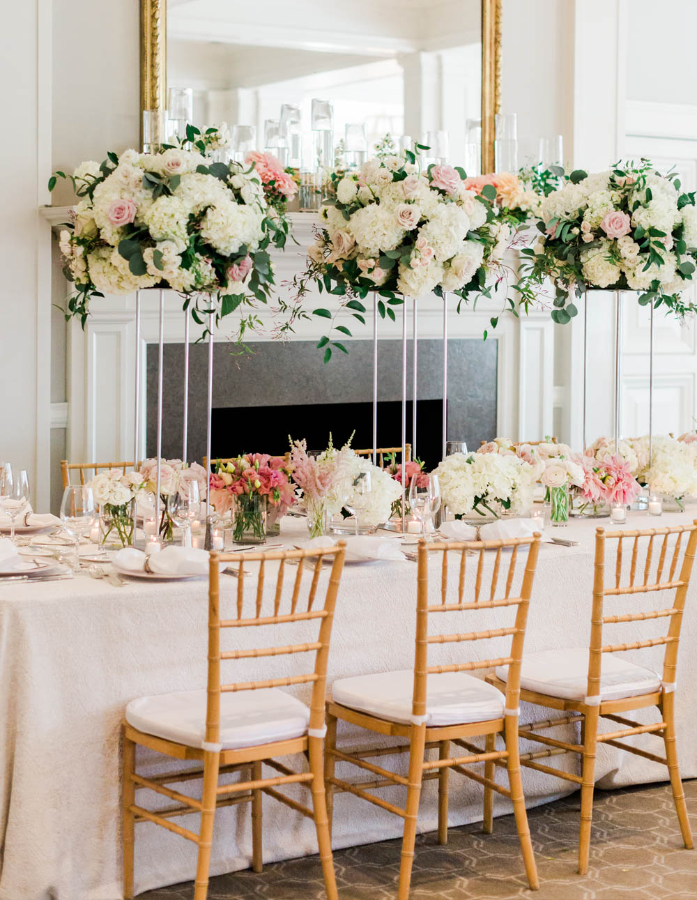 Waveryly COuntry Club wedding table setting flowers